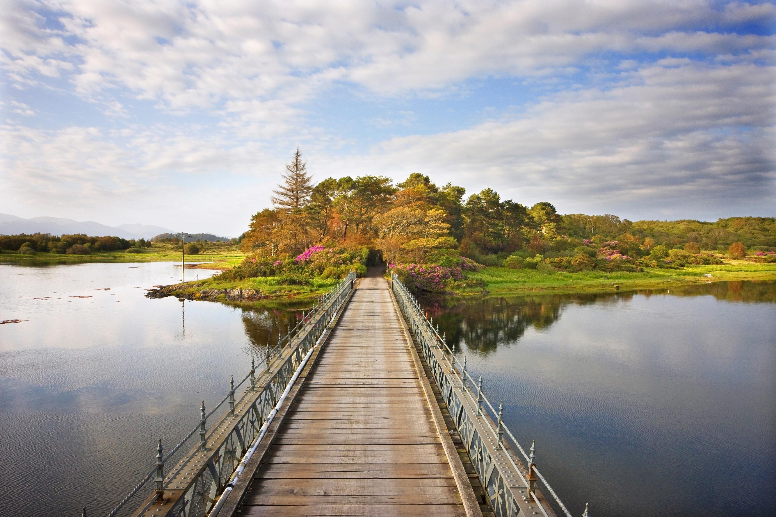 Eriska Bridge and loch