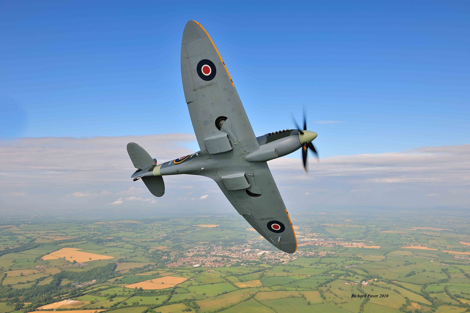 Spitfire G-ILDA break July 2010