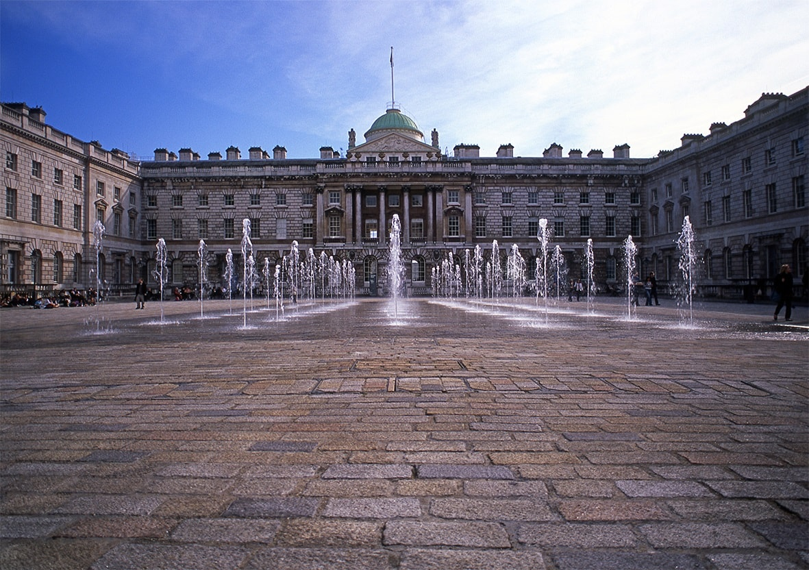 The Edmond J. Safra Fountain Court at Somerset House © Jeff Knowles 2-min