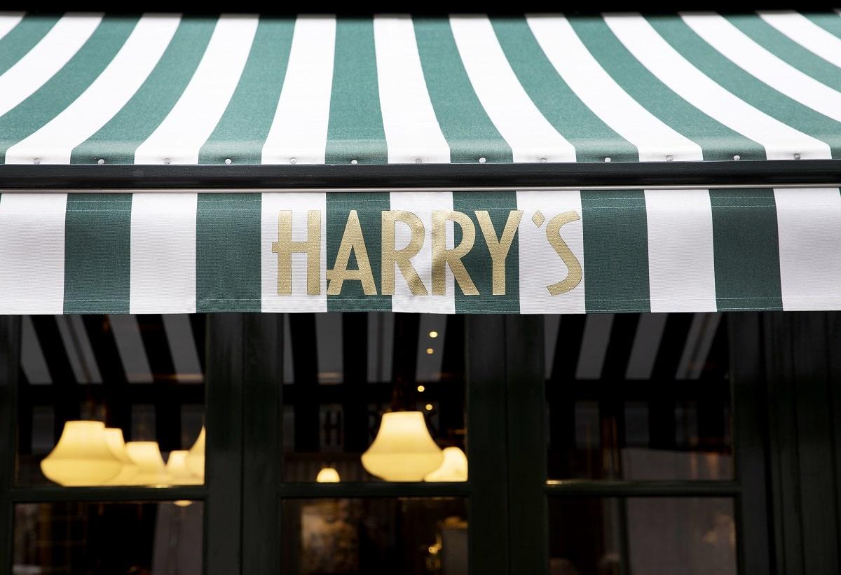 Harry's Bar James Street Awnings by John Carey-min