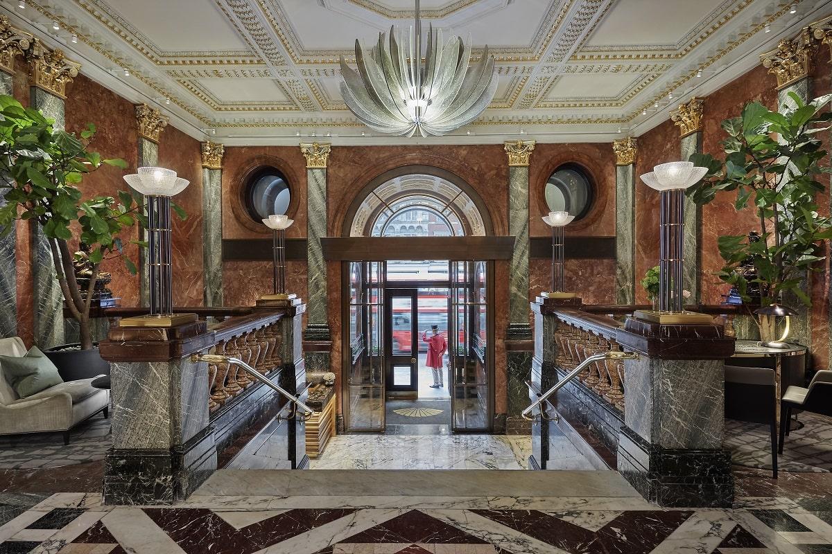 london-2017-hotel-lobby-entrance-min