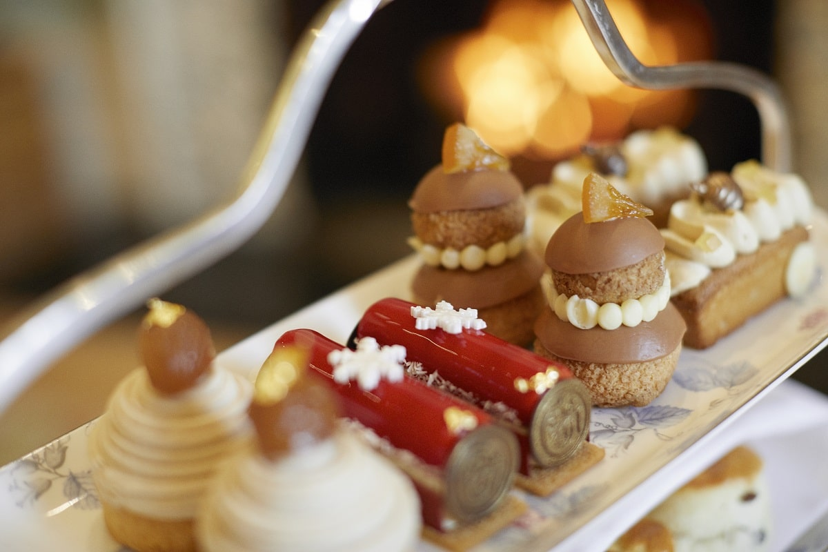 Coworth Park-Drawing Room-Festive afternoon tea-pastries-highres3-min